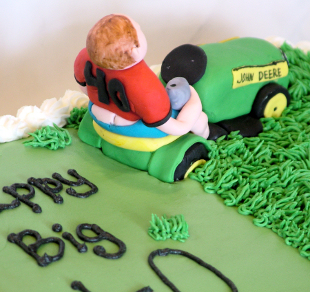 Lawnmower cake Closeup - A Sweet Cake